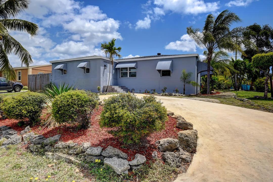 518 NW 2nd Street  Boynton Beach FL 33435