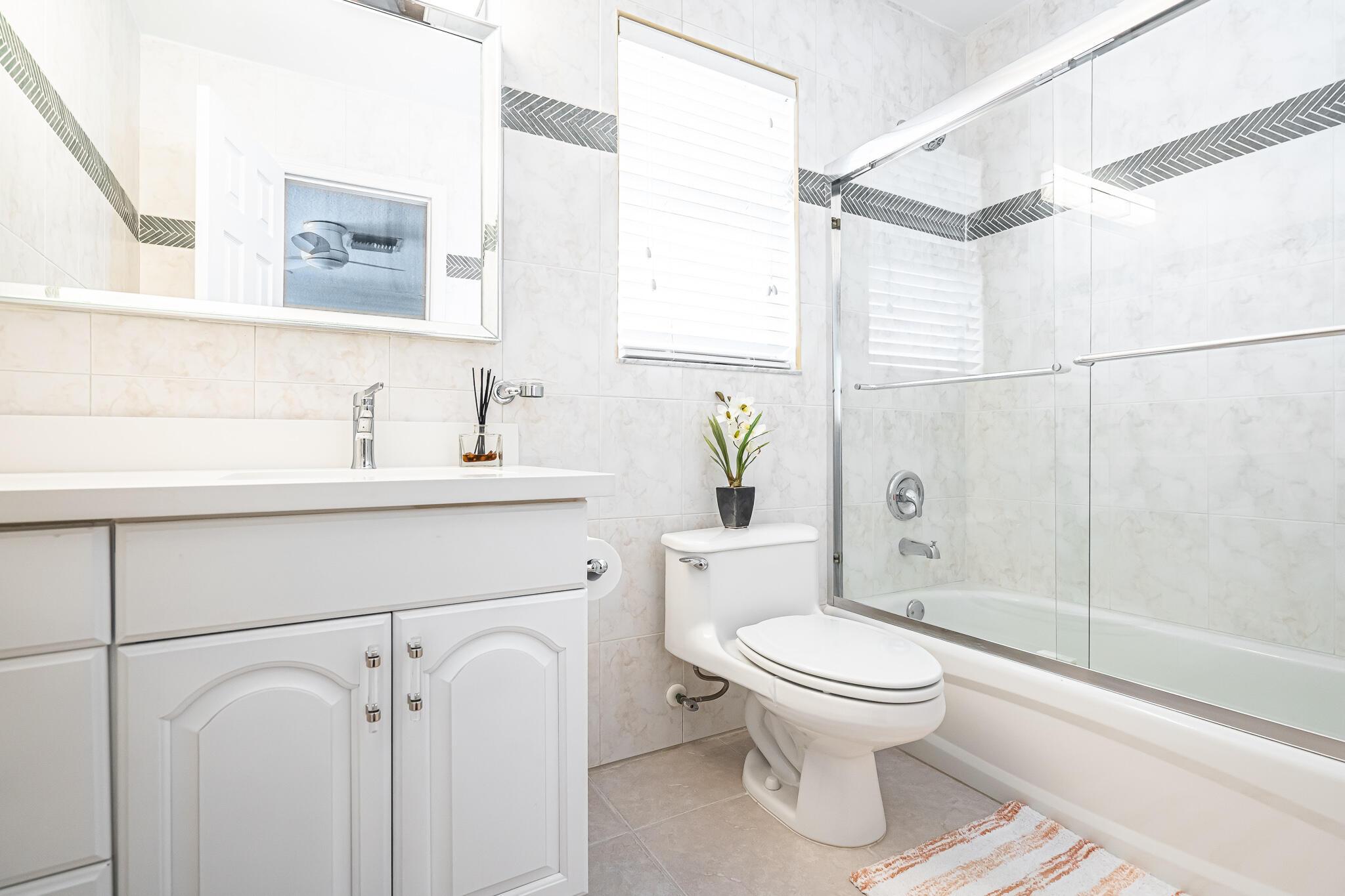 Third Bed/Full Bath