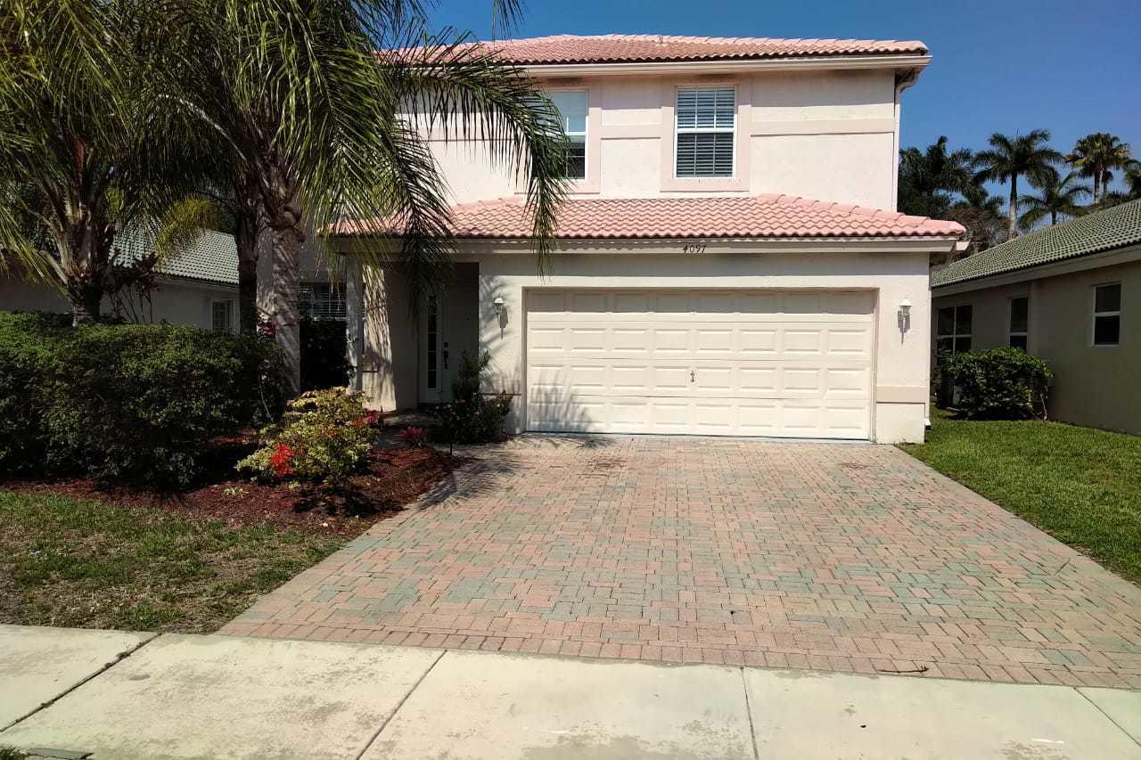 4097 E Bluff Harbor Way  For Sale 10712880, FL