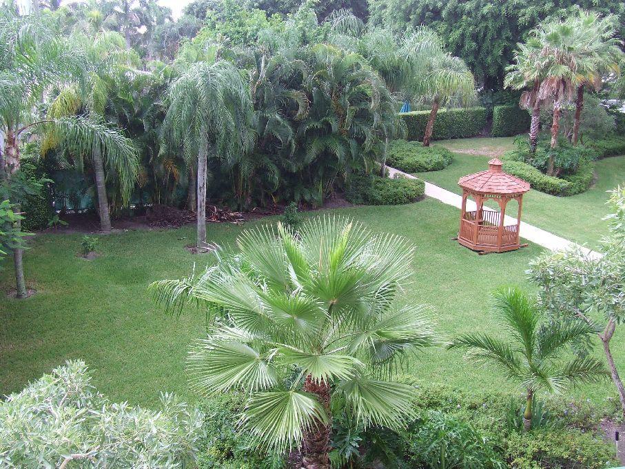 26 Royal Palm Way 304