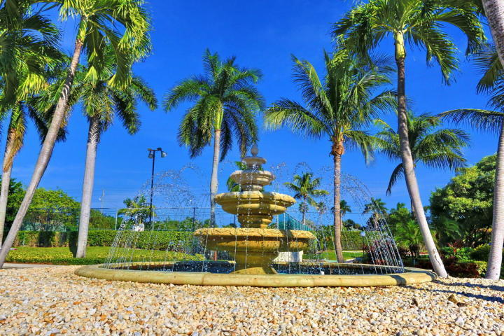 Boca Bayou Fountain