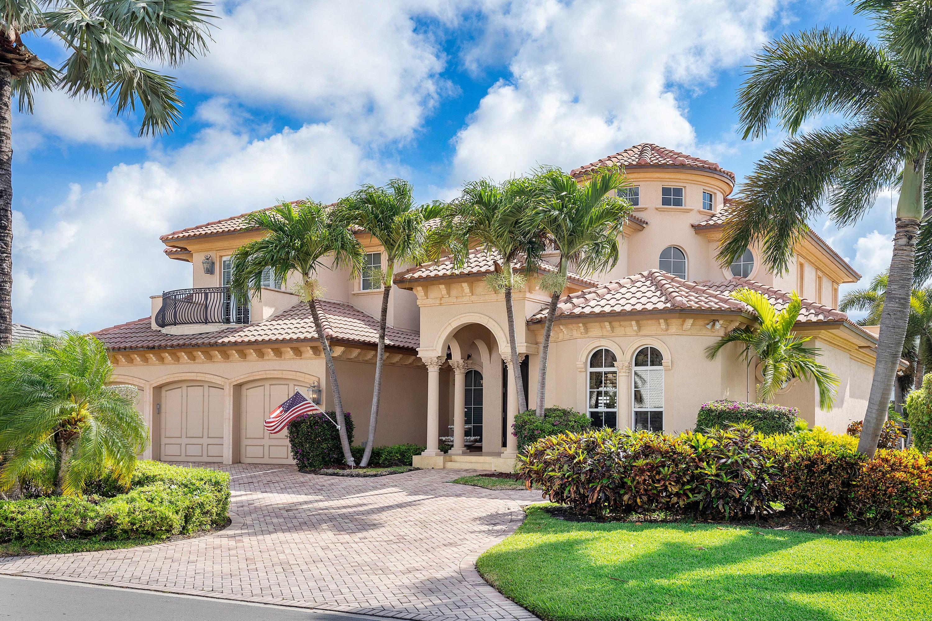 2404  Date Palm Road  For Sale 10713937, FL