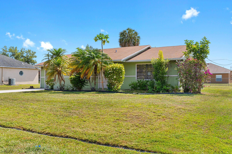 1271 SW Heather Street Port Saint Lucie, FL 34983