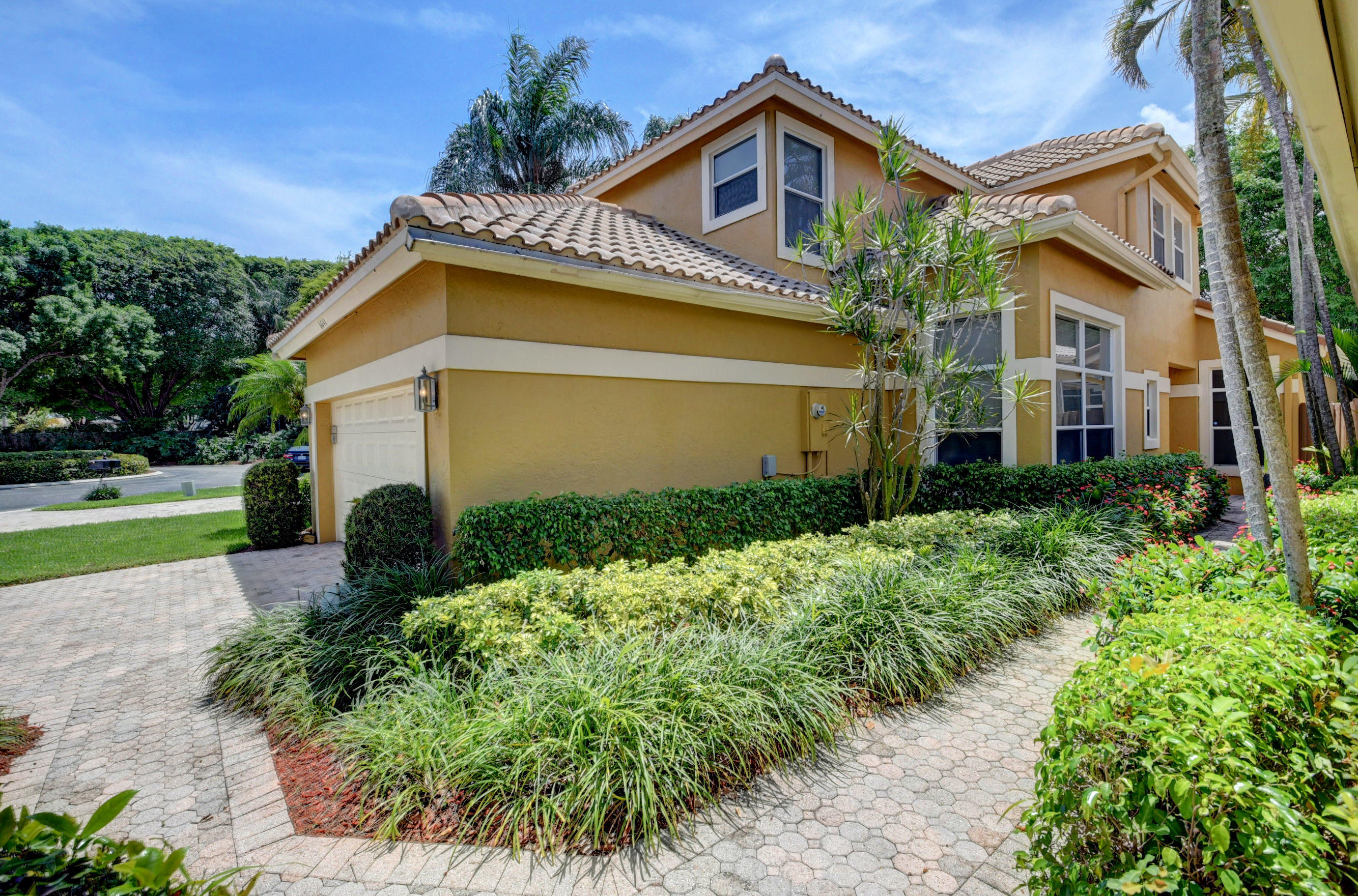 6641 NW 26th Way  For Sale 10713125, FL