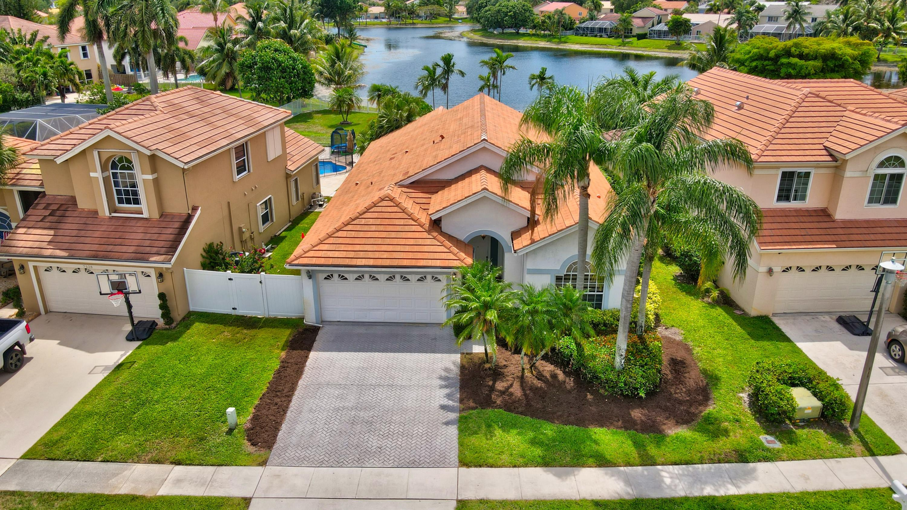 Home for sale in Lake Charleston/lake Point Lake Worth Florida
