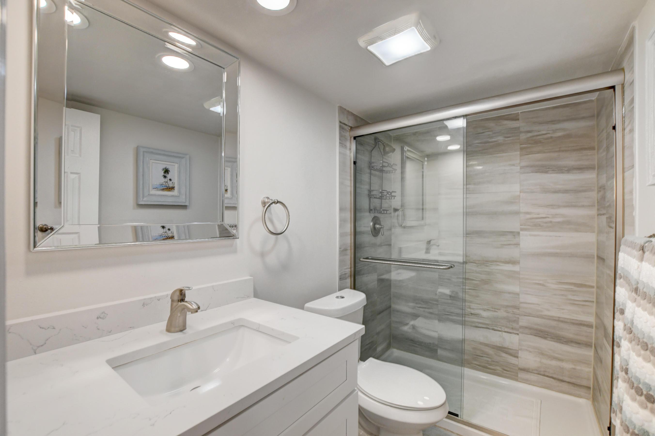 Beautiful Renovated Master bath