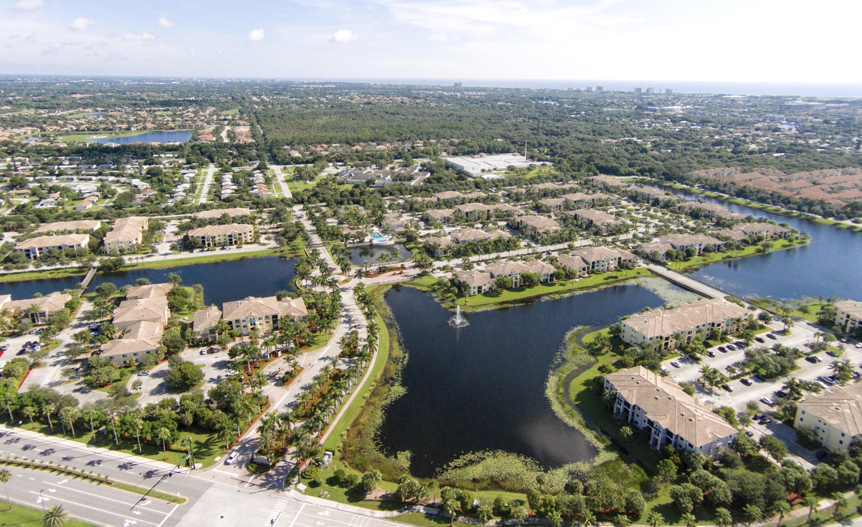 2804 Sarento Place 203 Palm Beach Gardens, FL 33410