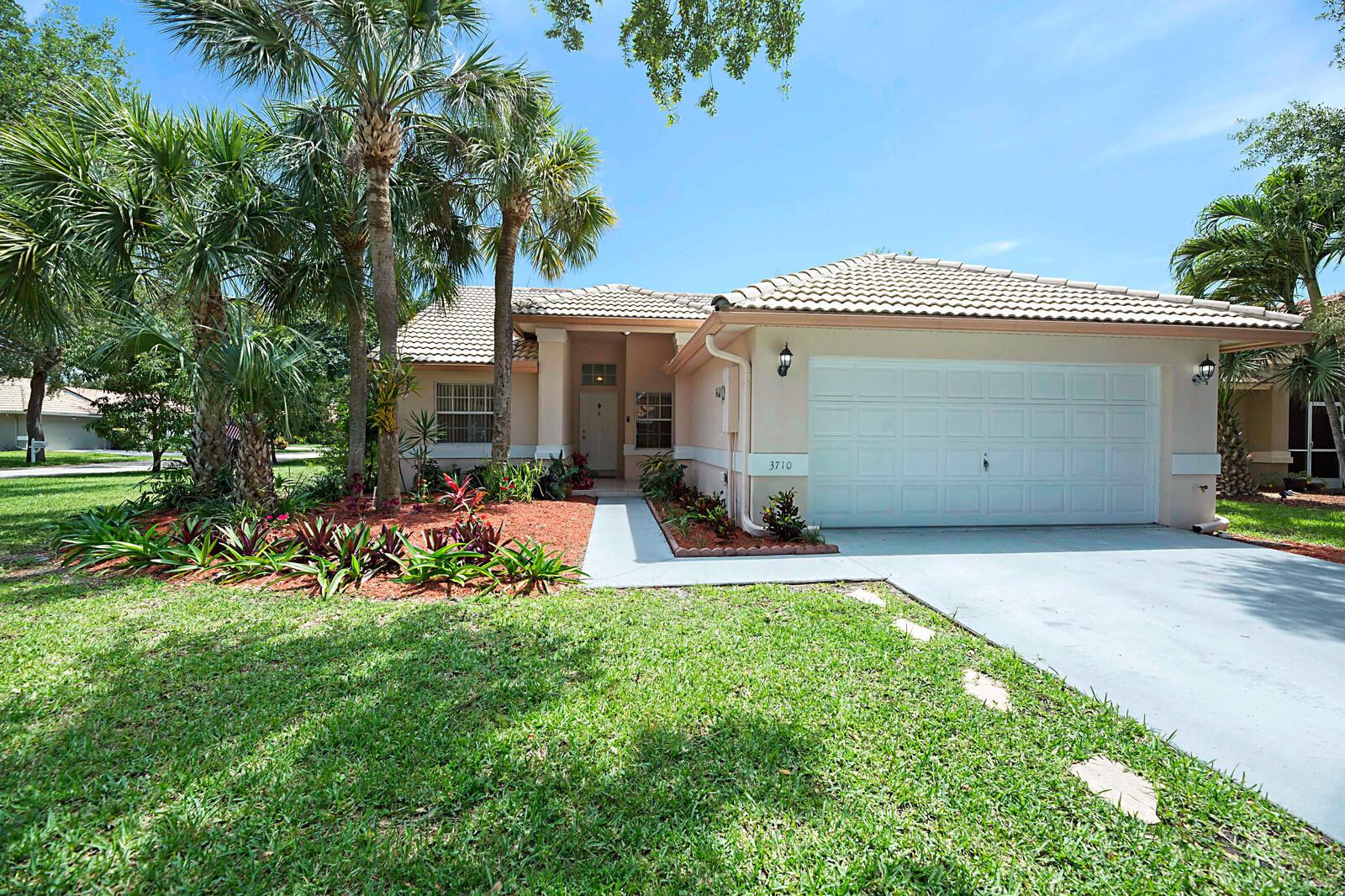 3710  Riverside Way  For Sale 10713318, FL