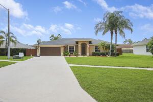 236 Park Road N, Royal Palm Beach, FL 33411