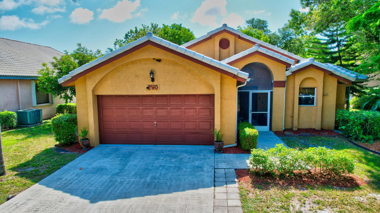 2 Lawrence Lake Drive Boynton Beach, FL 33436