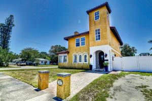 400 Greenbriar Drive, Lake Park, FL 33403