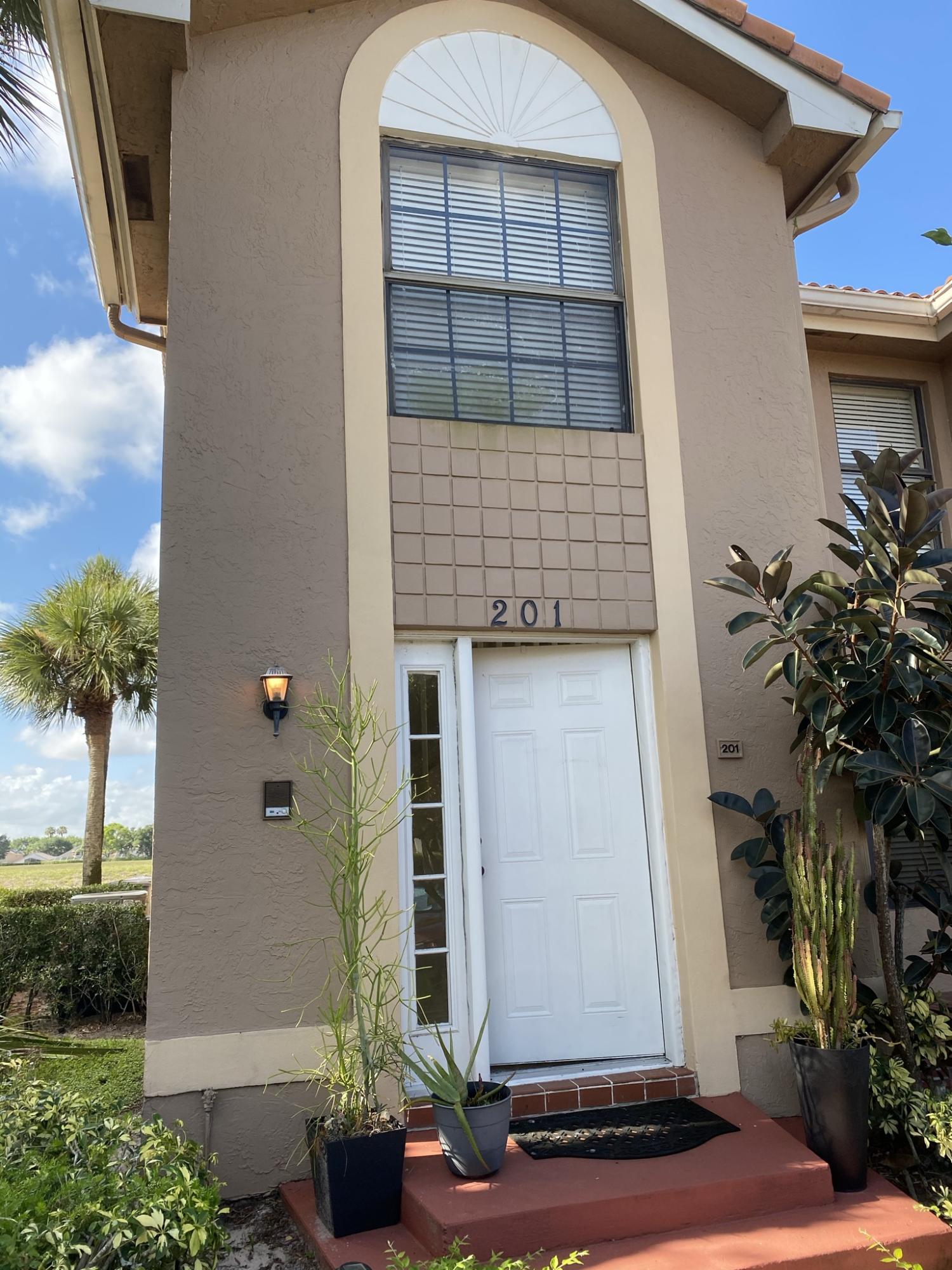 10920 Lakemore Lane 201 Boca Raton, FL 33498