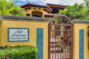 186 Monceaux Road, West Palm Beach, FL 33405