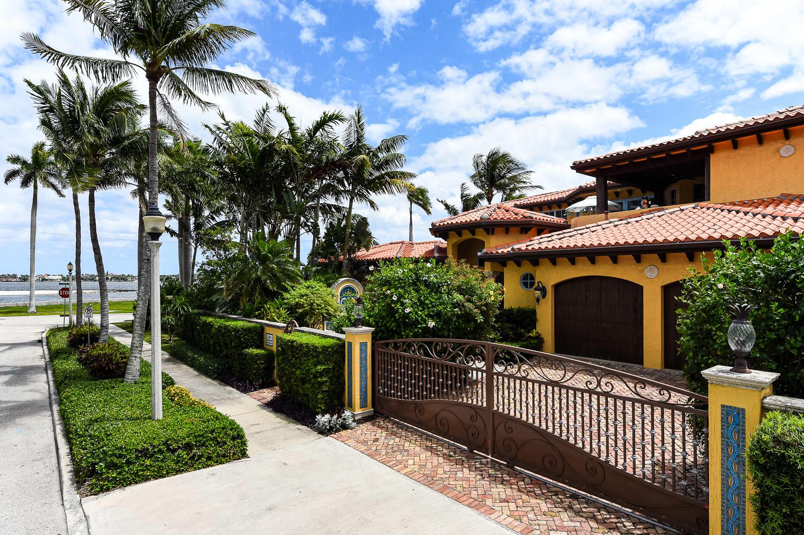 186 Monceaux Road West Palm Beach, FL 33405 photo 3