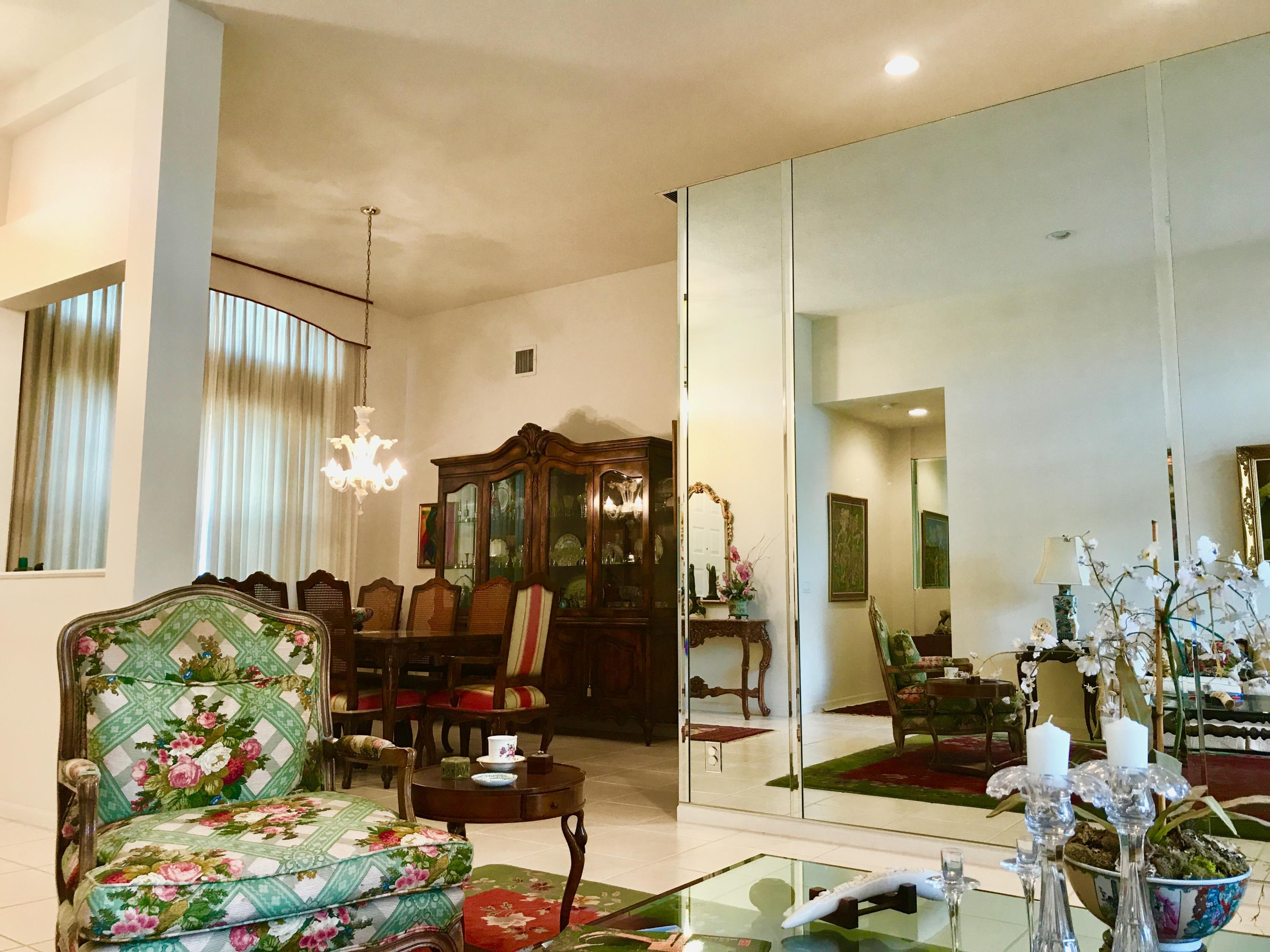 Living room/dining room view