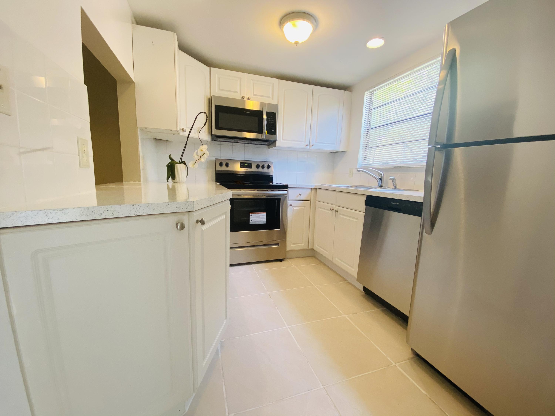 5300  Elmhurst Road D For Sale 10713667, FL