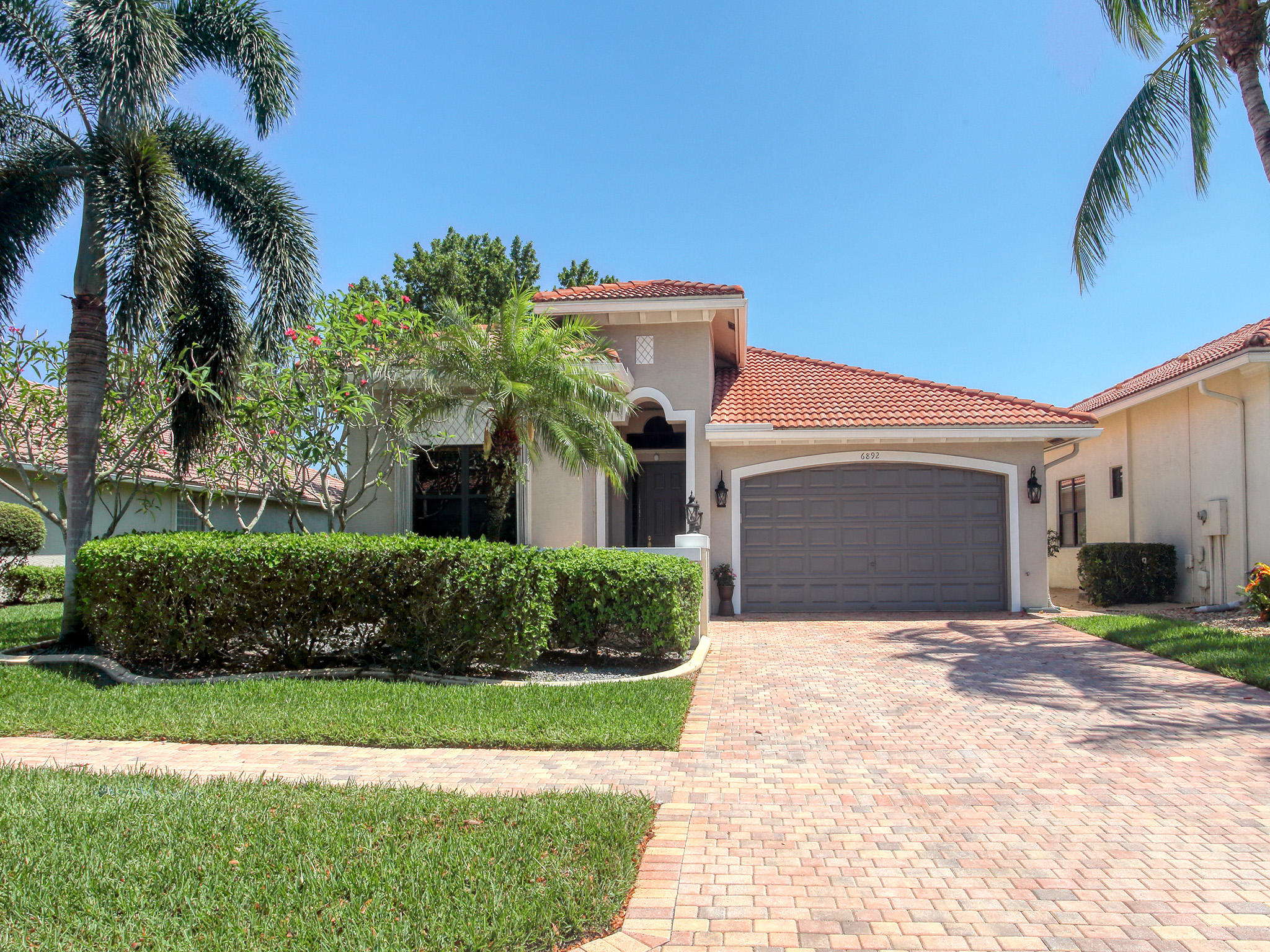 6892  Adriano Drive  For Sale 10714177, FL