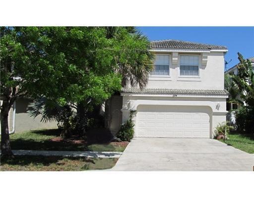 1104 Oakwater Drive Royal Palm Beach, FL 33411
