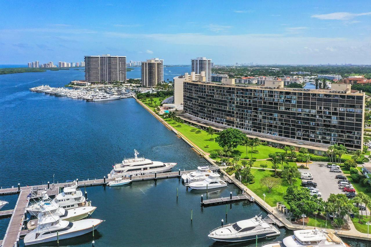136  Lakeshore Drive 410 For Sale 10714239, FL