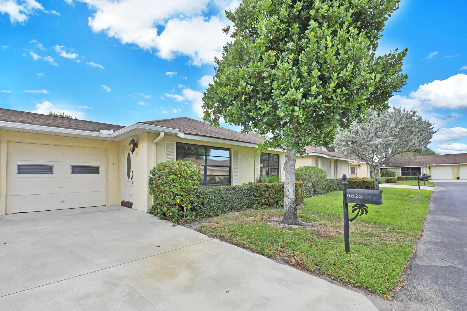 Home for sale in BENT TREE VILLAS EAST CONDO Boynton Beach Florida