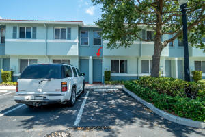 1958 Alamanda Way, Riviera Beach, FL 33404