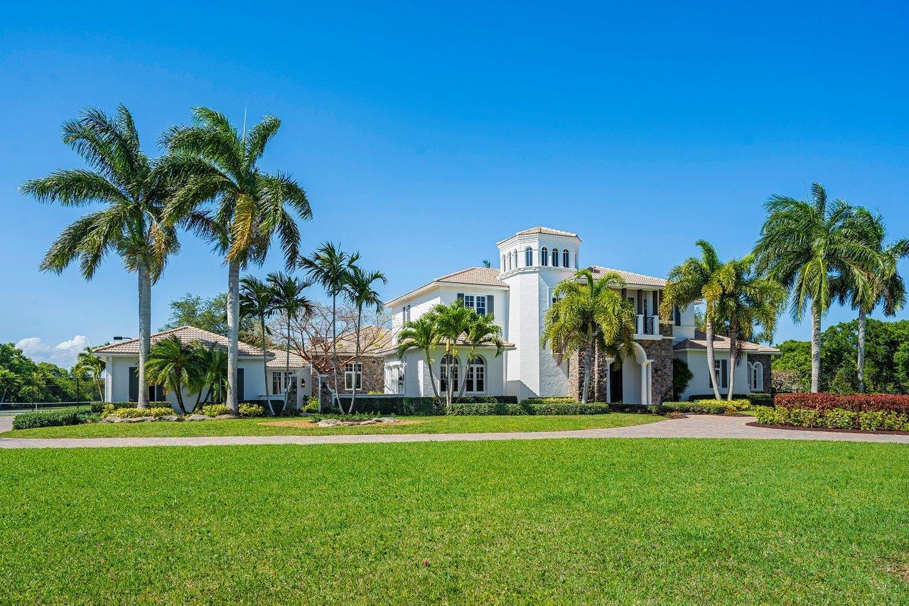 10249  El Paraiso Place  For Sale 10714204, FL
