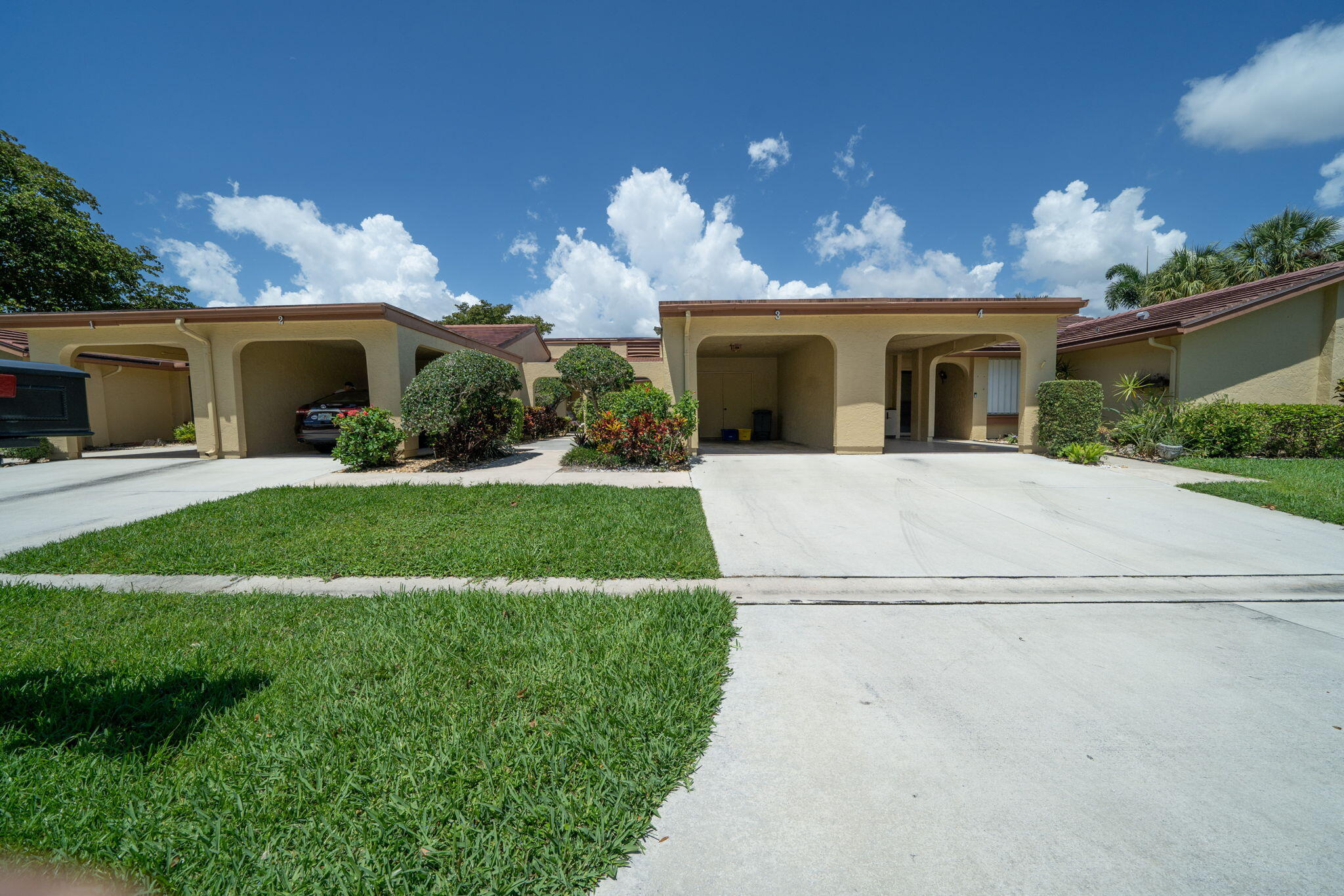 5865  Forest Grove Drive 3 For Sale 10713048, FL