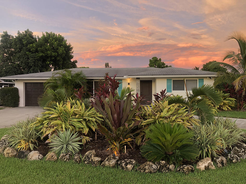 1166 Lake Clarke Drive West Palm Beach, FL 33406