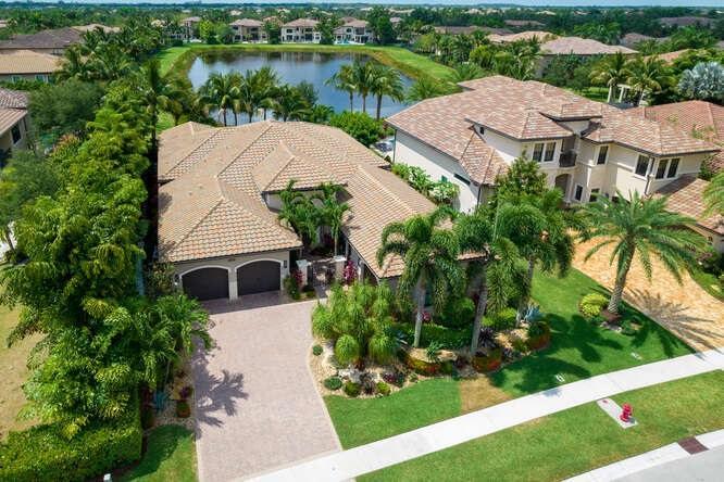 8462  Hawks Gully Avenue  For Sale 10710615, FL