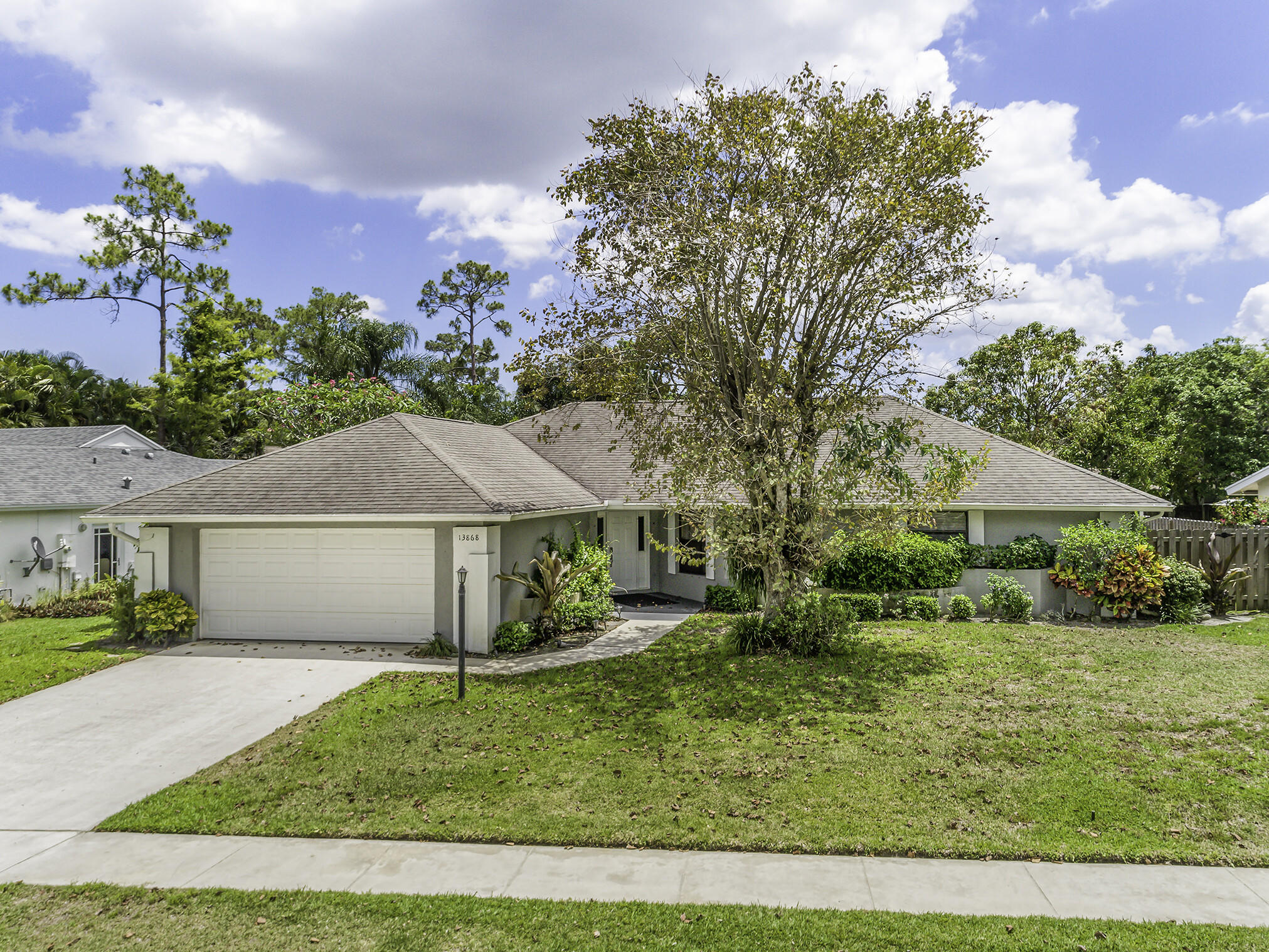 13868  Barberry Drive  For Sale 10714366, FL