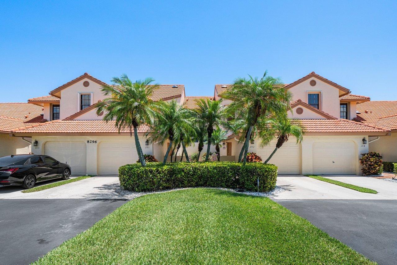 Home for sale in HARBOURS AT ABERDEEN CONDO Boynton Beach Florida