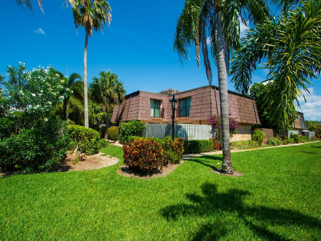 Home for sale in WAVERLY PLACE PHASE 3 Vero Beach Florida