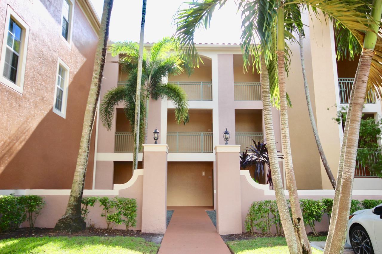 11720  Saint Andrews Place 304 For Sale 10714033, FL