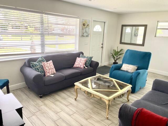 Gull Living Room