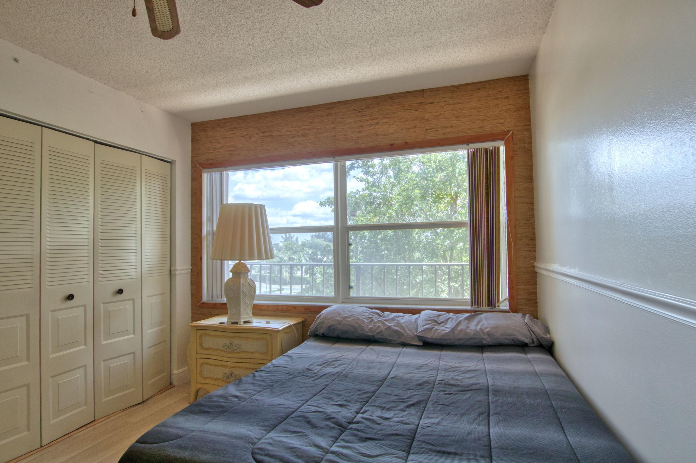 3465 Via Poinciana 405 Lake Worth, FL 33467 photo 16