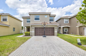 3995 Crescent Creek Place, Coconut Creek, FL 33073