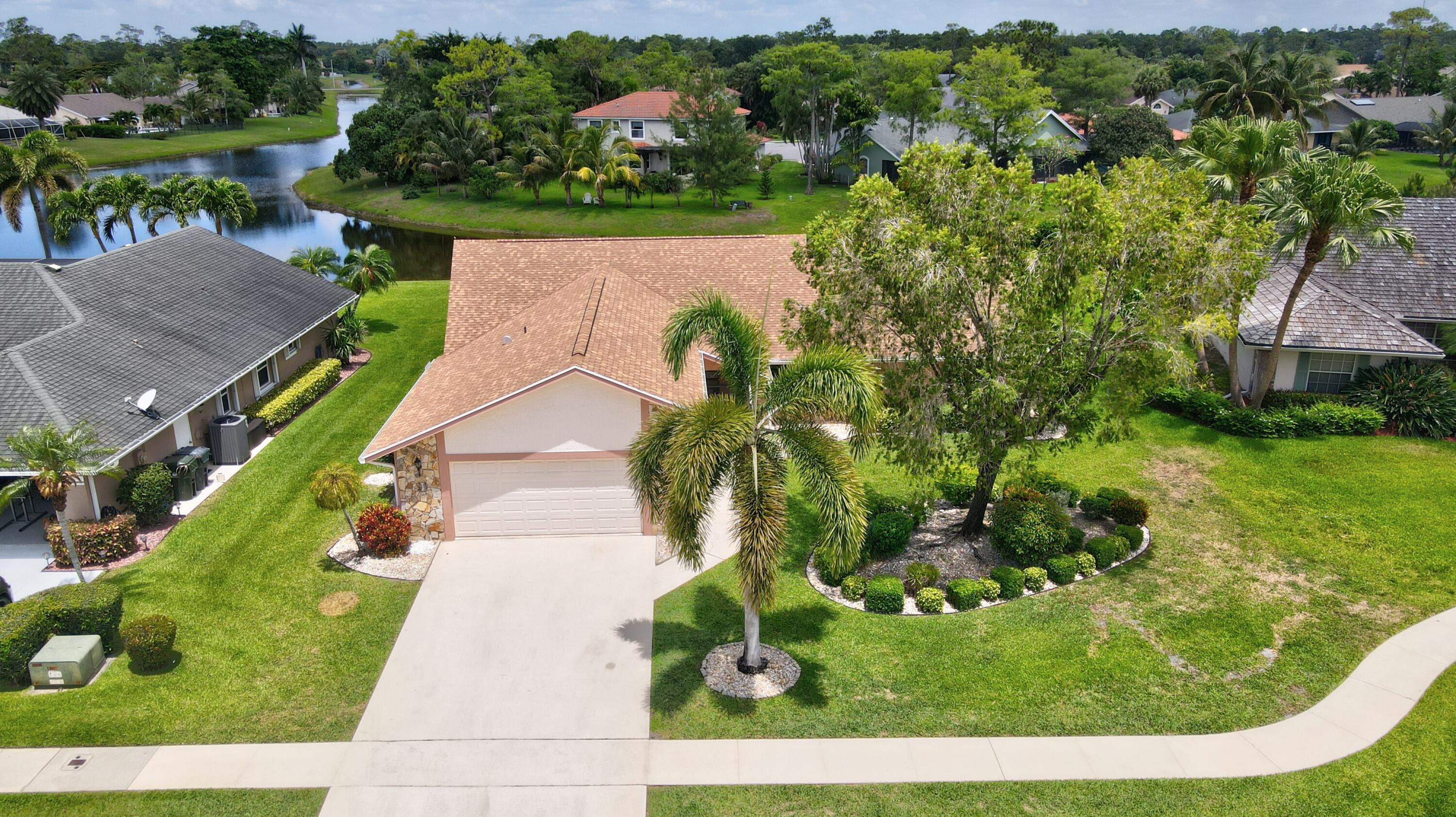 815  Caraway Court  For Sale 10714567, FL