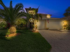 305 NW Binghampton Lane, Port Saint Lucie, FL 34983