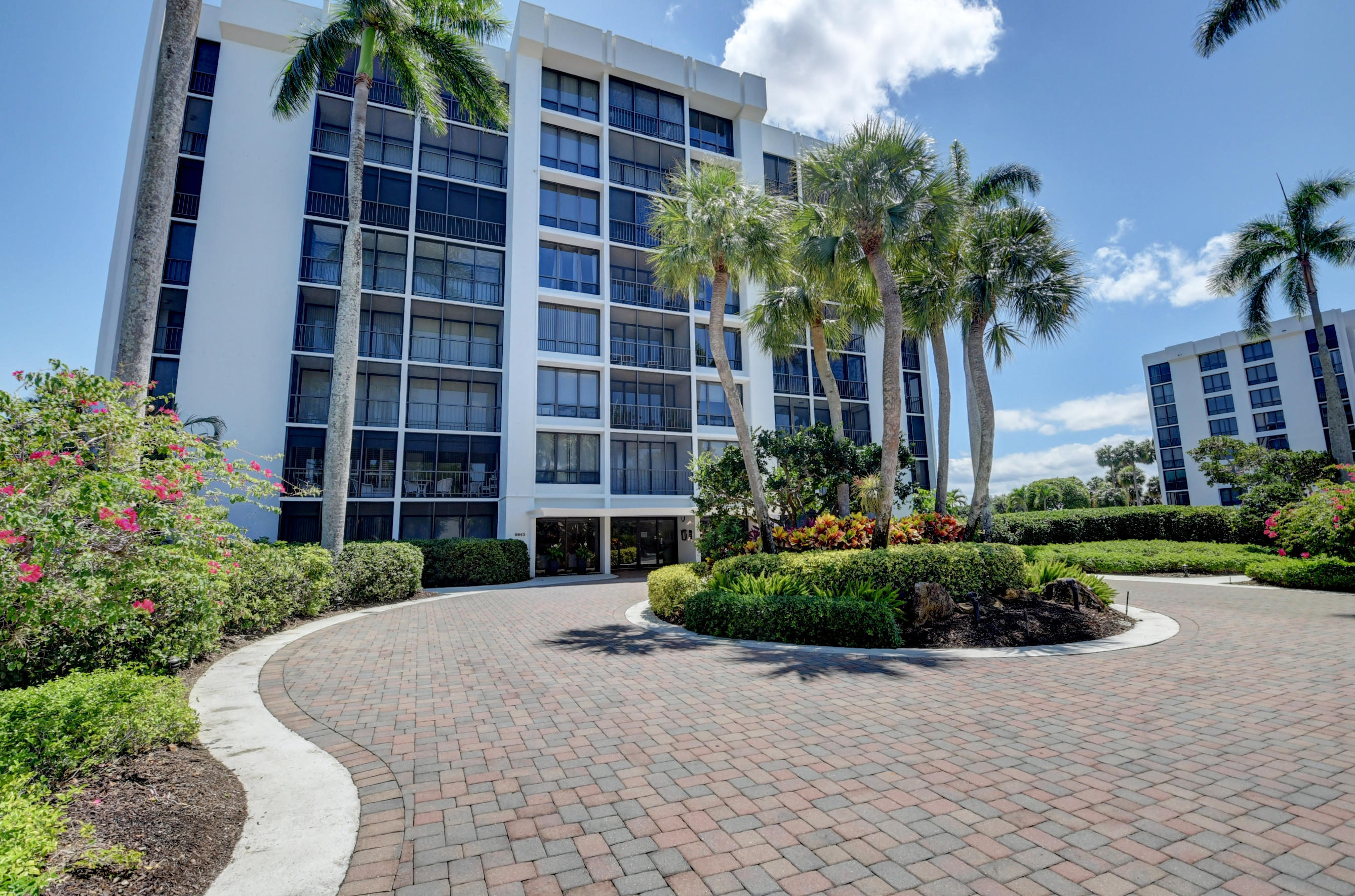6845  Willow Wood Drive 3031 For Sale 10714329, FL