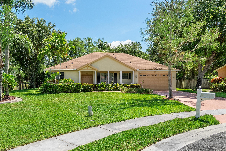136 Nottingham Road Royal Palm Beach, FL 33411