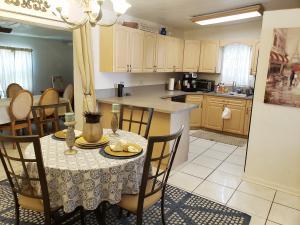 5722 Purdy Lane, West Palm Beach, FL 33415