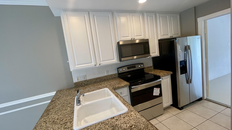 2039  Tarpon Lake Way  For Sale 10714755, FL