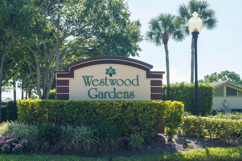 5492 Eagle Lake Drive Lane 16 Palm Beach Gardens, FL 33418