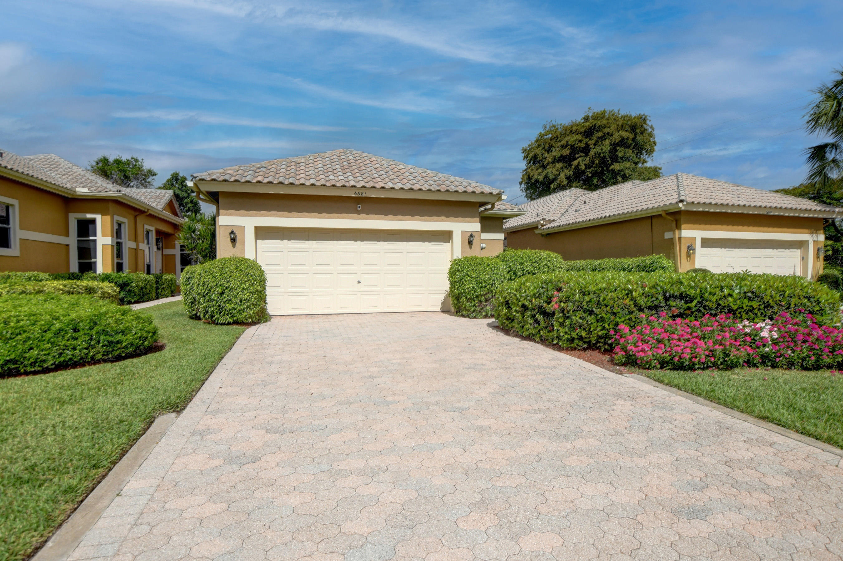 6681 NW 25th Ter Terrace  For Sale 10713914, FL