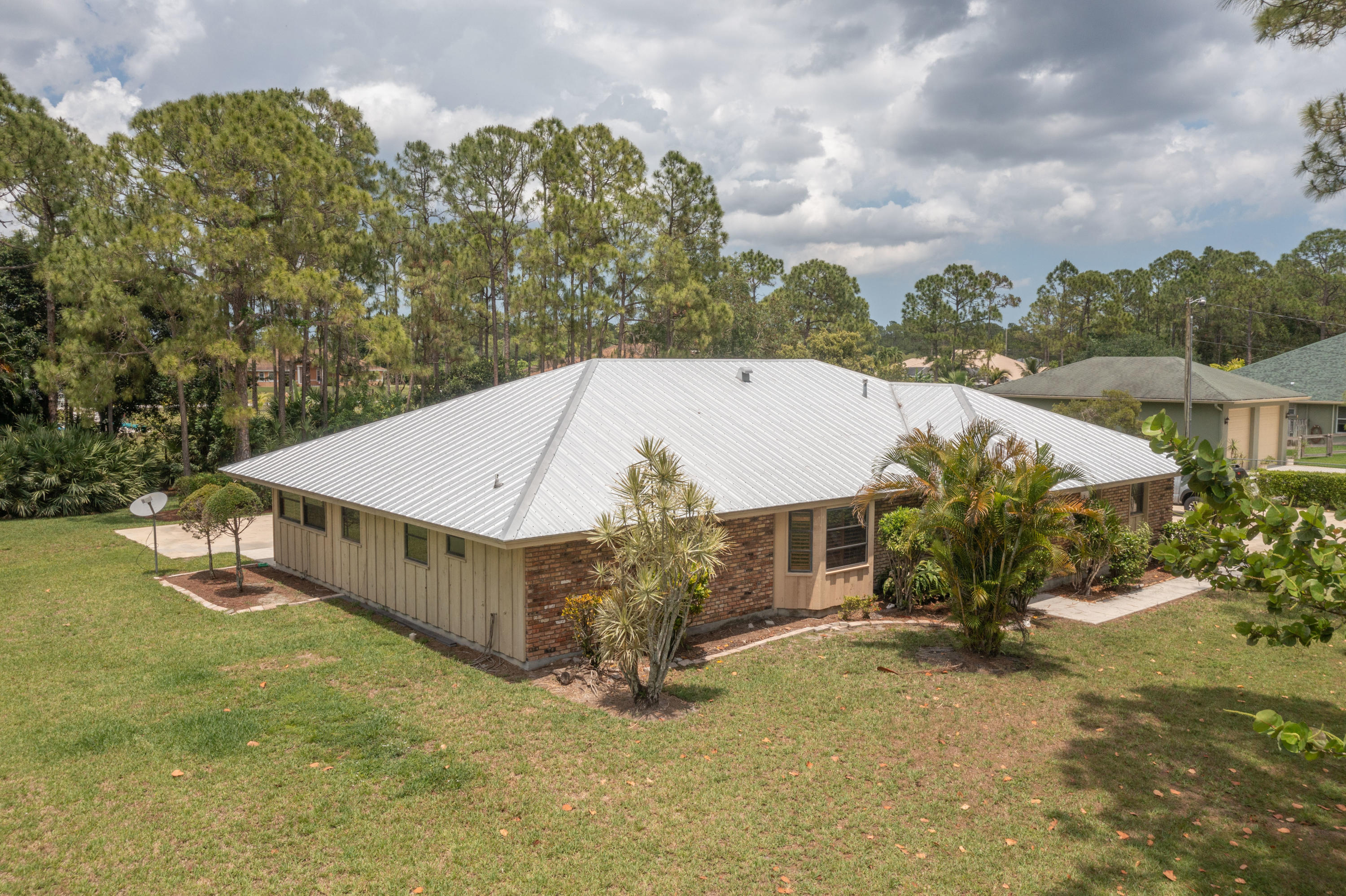 Home for sale in The Acreage - Unincorporated The Acreage Florida