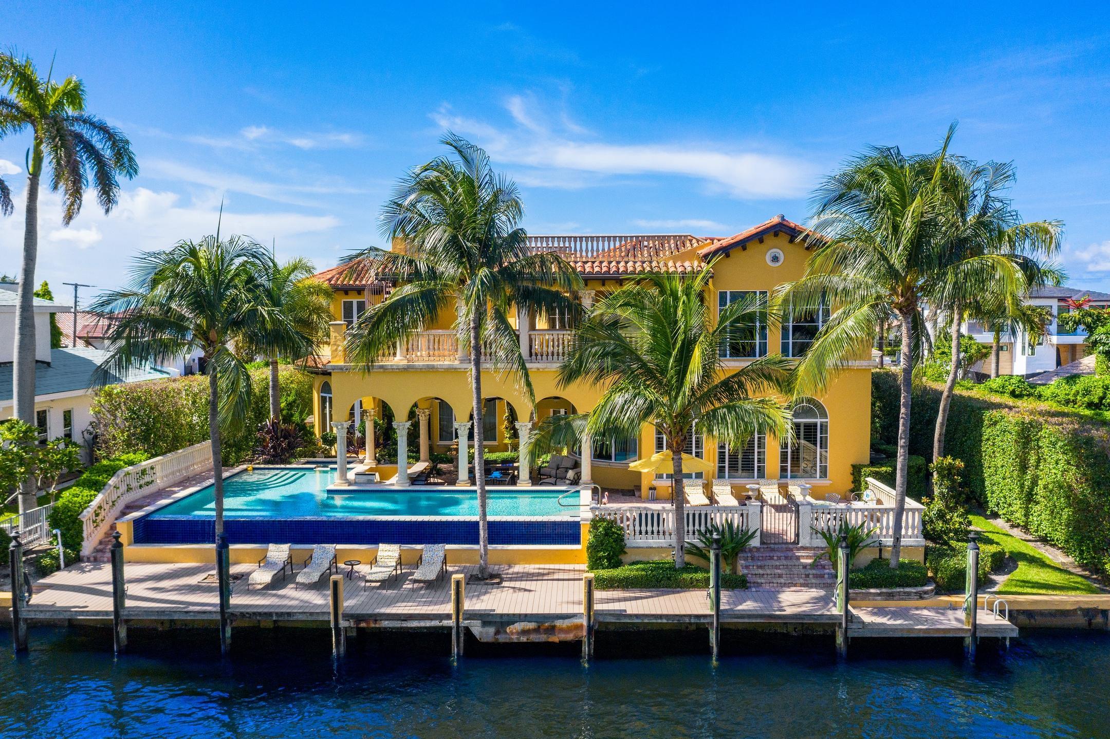 104  Bonito Drive  For Sale 10715223, FL