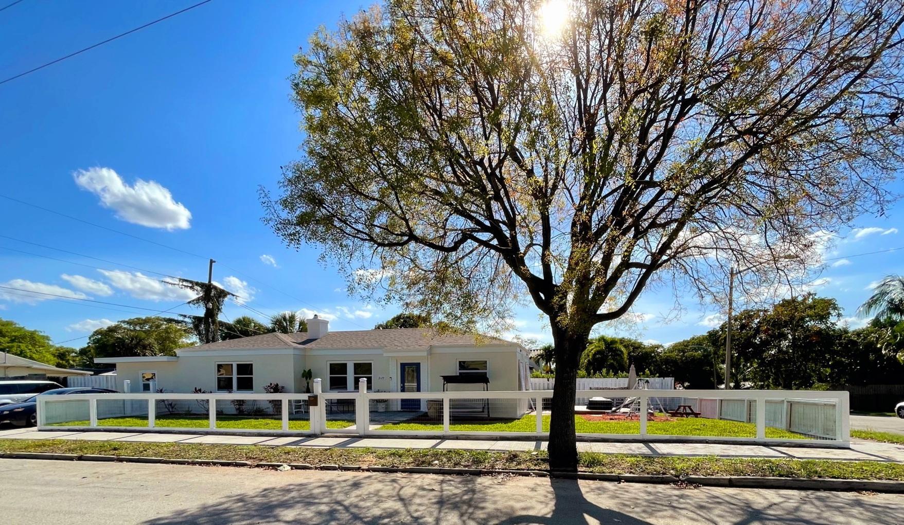 3125 S Terrace Drive  For Sale 10715016, FL