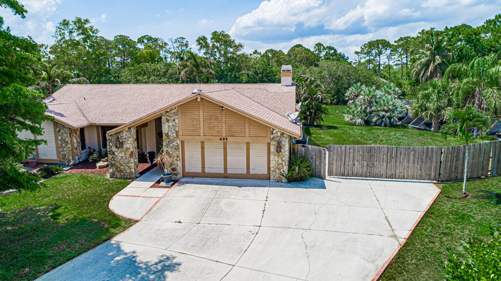 495  Pinto Circle  For Sale 10714870, FL