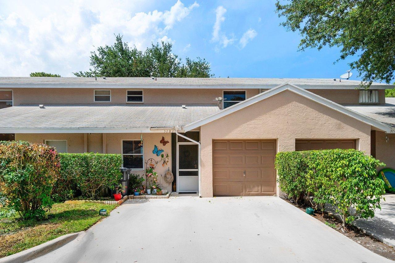5181  Pine Abbey Drive  For Sale 10714881, FL