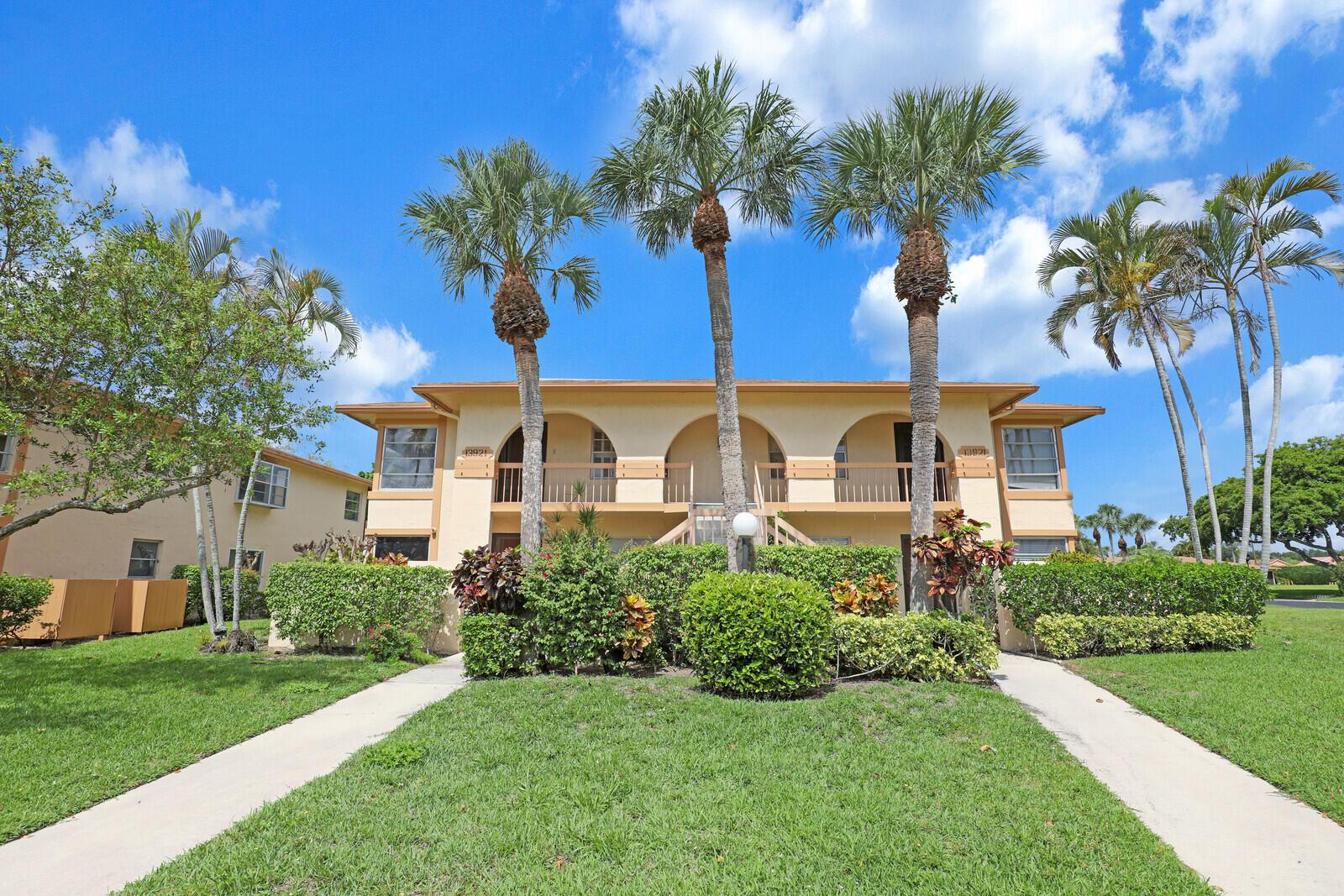 13921  Royal Palm Court B For Sale 10712435, FL